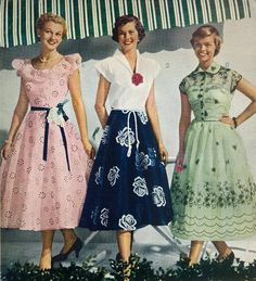 Best Women S Fashion Magazine Product 1940s Fashion Women, Retro Fashion, Vintage Fashion, Womens Fashion, Cheap Fashion, 1950s Style, Vintage Outfits, Vintage Dresses, 40s Mode