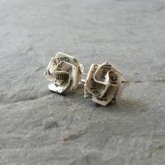 Les boucles d'oreilles Post littéraire Origami par STCHandmade, $12.00