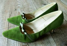 Vintage shoes  Olive green suede heels with by bonmarchecouture, $36.00