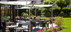 La terrasse du Lounge - Warwick Reine Astrid http://www.123terrasse.fr/Le-Lounge-Warwick-Reine-Astrid #coffee #bar #restaurant #soleil #terrace #Lyon #spot #sun #jardin #garden