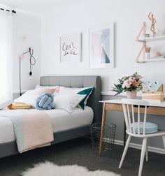 "5,117 Me gusta, 15 comentarios - By Duda Santos @eduardamaria (@casa_casada) en Instagram: ""C'est la vie que quarto mais charmosinho! Comfy mood for Sunday! {Via Tarina Lyell} #architecture…"""