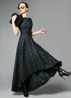 We love this tartan maxi dress! We love this tartan maxi dress! We love this tartan maxi dress! Pretty Outfits, Pretty Dresses, Beautiful Outfits, Cool Outfits, Tartan Fashion, Look Fashion, Womens Fashion, Fashion Design, Mode Tartan