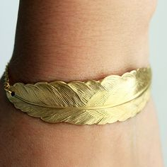 Gold Feather Bracelet by Tom Design on Etsy www.tomdesign.etsy.com #gold #feather #bracelet #dainty