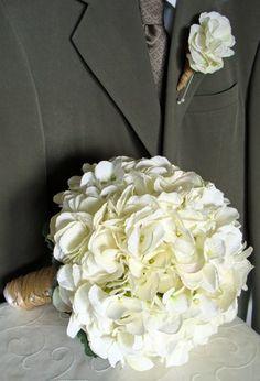 white hydrangea bouquet and boutonniere