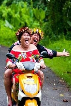 Hawaii ageing graciously ... Wish I was squashed in the middle of those two happy souls