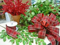 How to make bows with christmas ribbon