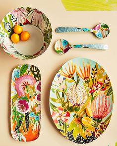 Melamine crockery , not ceramic but beautiful design Ceramic Clay, Ceramic Plates, Ceramic Pottery, Pottery Painting, Ceramic Painting, Painted Ceramics, Illustration Blume, Keramik Design, Sculptures Céramiques