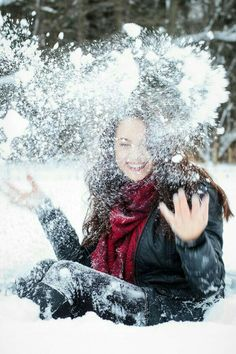 ideas photography portrait winter senior pics for 2019 Snow Senior Pictures, Winter Pictures, Senior Pics, Travel Pictures Poses, Winter Instagram, Photo Instagram, Snow Photography, Portrait Photography, Winter Senior Photography