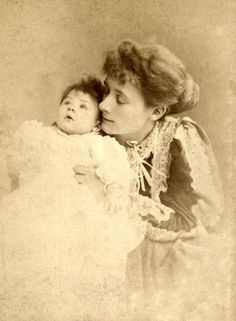 Sylvia Jocelyn Llewelyn Davies 25 November 1866 27 August 1910 ne Sylvia du Maurier was the mother of the boys who were the inspiration for the stories Jm Barrie, James Matthews, Lost Boys, Vintage Photography, Boys Who, Peter Pan, Film, Mothers, Google Search
