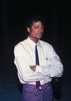 Just some Michael Jackson zodiacs. Michael Jackson Story, Photos Of Michael Jackson, Michael Jackson Thriller, Jackson 5, Beautiful Person, Beautiful Smile, Adam Parrish, Burning City, The Jacksons