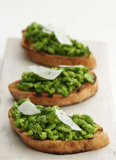 Crushed broad bean and mint bruschetta