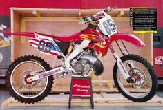 you got any photos of those velvet touch hondas you rode in Always thought those bike looked pretty cool. Yamaha Motocross, Racing Motorcycles, Ricky Carmichael, Mx Bikes, Quad Bike, Dirtbikes, Honda Cr, Program Design, Motorbikes