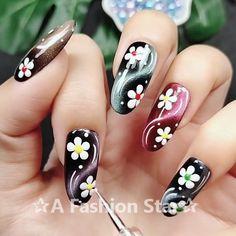 Nail Art ✰A Fashion Star✰ Nail Designs, Nail Art, Nail ideas Diy Nails, Cute Nails, Pretty Nails, Nail Nail, Top Nail, Star Nail Art, Star Nails, Nail Art At Home, Nail Art Videos