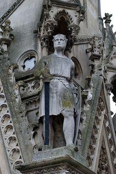 A statue of Simon de Montfort, Earl of Leicester, on the Haymarket Memorial Clock Tower in Leicester, England De Montfort University, Friedrich Ii, Magna Carta, Plantagenet, Effigy, Knights Templar, British History, Uk History, Middle Ages