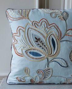 Colefax And Fowler's Cressida #colefaxandfowler #interiors #textiles #fabrics