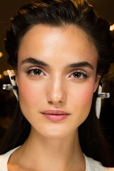 Versace Spring 2015 Ready-to-Wear - Beauty - Gallery - Style.com