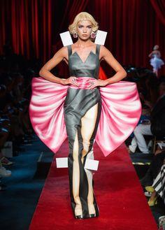 Moschino, P-E 17 - L'officiel de la mode