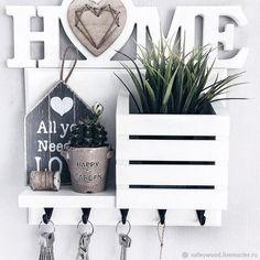 Wall Key Holder, Key Hooks For Wall, Art Decor, Room Decor, Tiki Art, Wooden Books, Paper Organization, Diy Home Improvement, Diy Wall Art