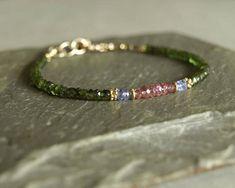 making beaded bracelets Tourmaline Earrings, Green Tourmaline, Beaded Jewelry, Fine Jewelry, Jewelry Making, Jewellery, Gemstone Bracelets, Jewelry Bracelets, Gemstone Jewelry