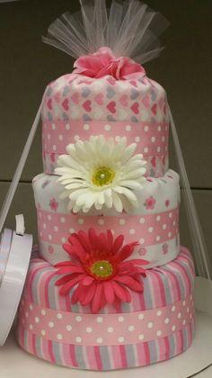 Ideas baby shower gifts hamper cake tutorial for 2020 Baby Shower Gift Basket, Baby Shower Brunch, Best Baby Shower Gifts, Baby Shower Winter, Baby Shower Fun, Baby Gifts, Baby Shower Table Decorations, Baby Shower Desserts, Baby Shower Centerpieces