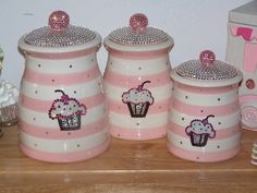 CUPCAKE BLING!! OMG!!!  I love these but not practical.  I wouldn't want anyone to touch them.  LOL