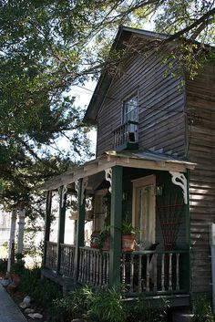 ~ North East Florida is without a doubt unquestionably the most scenic places to live! Amelia Island Florida, Brick Porch, Cumberland Island, Victorian Style Homes, Fernandina Beach, Florida Living, Old Florida, Seaside Towns, Horseback Riding