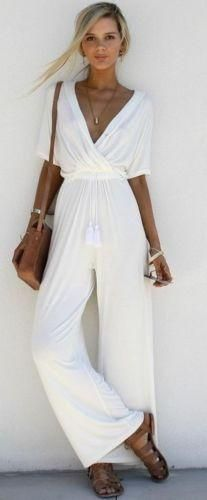 The deep v neck holiday jumpsuits with short sleeve and wide legs is perfect for vocation in summer. jumpsuit casual,jumpsuit outfit work,how to wear jumpsuit,casual jumpsuit outfit fall Chic Summer Outfits, Outfits Casual, Women's Summer Fashion, Casual Summer, Outfit Summer, White Outfits, Style Summer, Work Casual, Casual Chic