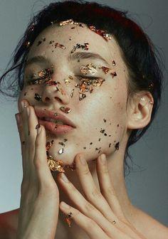 maquillage à la feuille d'or
