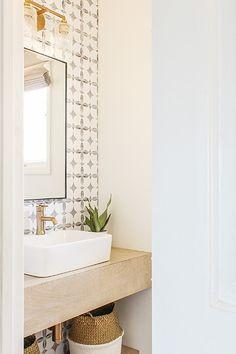 DIY Budget-Friendly Powder Room Redo – Boho Chic B… – Boho budgetfriendly C… Diy Bathroom, Bathroom Interior Design, Room Redo, Bathroom Makeover, Chic Bathrooms, Powder Room Redo, Small Bathroom, Modern Interior Design, Modern Powder Rooms