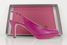 #zapatos #piel #rosa #plataforma #zapato #peeptoe #hebilla #leather #pink #shoes #oinetakoak #sabates #scarpe #schuhe #chaussures #moda #madeinspain #madeineurope #eshop BUY//COMPRAR: http://www.jorgelarranaga.com/es/home/443-466.html