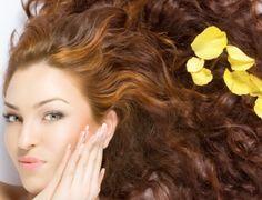 Comment prendre soin des cheveux mixtes ? noté 5 - 1 vote Les cheveux mixtes cumulent à la fois deux types de problèmes courants dans le domaine capillaire : des pointes sèches et des racines grasses. Les pointes sèches sont la conséquence d'une usure des cheveux tandis que les racines grasses peuvent provenir d'une mauvaise alimentation, …