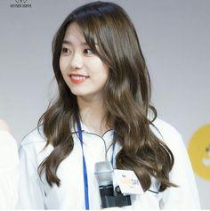Look at this face! #stylesohye #ioi #kimsohye #Sohye #sohyefashion #k-pop #koreanstyle #k-popstyle #kimsohye2017 #kpop