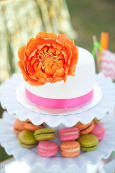 Pretty Bridal Shower Cake  Macarons