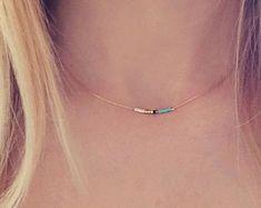 Joyería sencilla gargantilla granos minúsculos por monroejewelry