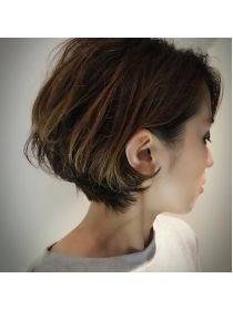 クブヘアー(kubu hair) 《Kubuhair》大人かっこいいボブ Short Curly Hair, Short Hair Cuts, Kris Jenner Hair, Short Hair Back View, Medium Hair Styles, Long Hair Styles, Chin Length Hair, Corte Bob, Shot Hair Styles