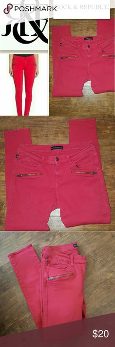 Rock & Republuc Kasmiere jegging jeans 12 M Another Consignment piece I've received in really nice condition with adorable little side zippers. The rise is 8 inches the waste is approximately 16 inches and the inseam is 27. Strechy. Rock & Republic Jeans Skinny