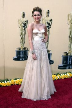 Miley Cryus in Jenny Packham - I have always loved this dress