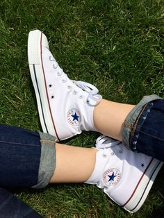 How to wear converse high tops summer sneakers Ideas High Top Converse Outfits, High Top Sneakers, Sneakers Mode, Sneakers Fashion, Diy Converse, White High Top Converse, Black Converse, Converse Sneakers, White Sneakers