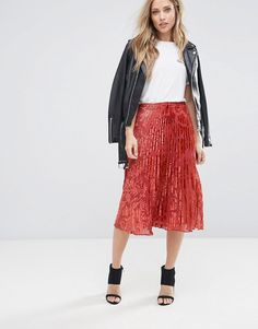 ff97e160da Get this Whistles s pleated skirt now! Click for more details. Worldwide  shipping. Whistles · Trajes De Falda ...