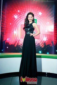 """Đặt lên """"bàn cân"""" 3 nữ MC hậu trường xinh đẹp của showbiz Việt - http://www.iviteen.com/dat-len-ban-can-3-nu-mc-hau-truong-xinh-dep-cua-showbiz-viet/ Họ đều là những nữ nhân tài sắc vẹn toàn được lựa chọn làm """"hậu phương"""" để MC nam mặc sức vẫy vùng trên sân khấu chính. (101)  #iviteen #newgenearation #ivietteen #toivietteen  Kênh Blog - Mạng xã hội giải trí hàng đầu cho giới trẻ Vi"""