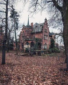 World War I abandoned mansions for sale, abandoned places . Abandoned Buildings, Abandoned Library, Abandoned Mansion For Sale, Abandoned Detroit, Abandoned Malls, Abandoned Hospital, Abandoned Train, Abandoned Mansions, Abandoned Places