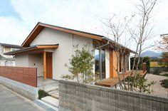 写真01 H様邸/プレズィール/平屋(H28.4.15) House In The Woods, My House, Earthy Home, Garden Design, House Design, Japanese House, Architect Design, Minimalist Home, Minimalism