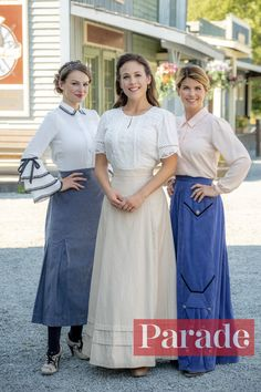 Get a Sneak Peek of This Week's When Calls the Heart 'A Vote of Confidence' – Parade Elizabeth Thatcher, Jack And Elizabeth, Retro Outfits, Cute Outfits, Erin Krakow, Costume, Heart Dress, 1940s Fashion, Modest Dresses