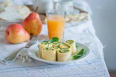 Ślimaczki z omletów z żółtym serem i szpinakiem | Ósmy kolor tęczy - Blog kulinarny