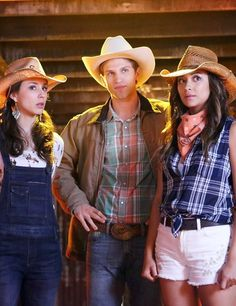 Troian Bellisario (Spencer Hastings) , Keegan Allen (Toby Cavanaugh) , & Shay Mitchell (Emily Fields) - Pretty Little Liars