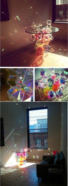 [INS] 평범한 통큰 유리가 아닌 작은 조각으로 다양한 색상을 표현. 색감은 정의를 따라 달라집니다./ Great handmade glass table.