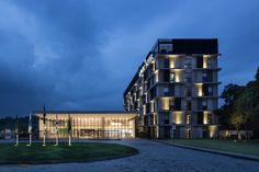 Construído pelo OSPA Arquitetura e Urbanismo na Rio, Brazil na data 2013. Imagens do Marcelo Donadussi. Este projeto recebeu a menção honrosa no prêmio ABCIC (Associação Brasileira Da Construção Industrializada De Concret...