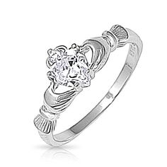 Bling Jewelry celtique irlandais Argent Sterling coeur CZ bague Claddagh Bling Jewelry http://www.amazon.fr/dp/B0049OVXS6/ref=cm_sw_r_pi_dp_QLyUwb1MSEYMH