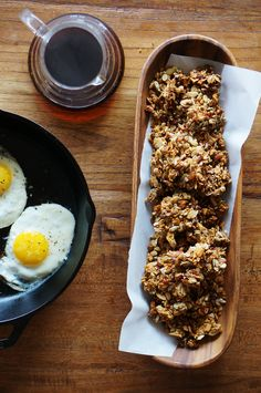 Savory bacon granola ~because bacon should be a part of every breakfast Salad Toppings, Cereal Recipes, Flour Recipes, Breakfast Recipes, Breakfast Options, Brunch Recipes, Creative Food, I Love Food, Food Inspiration