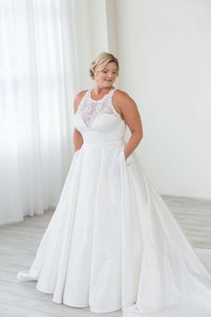 17cce5f8e207a 78 Best Plus Size Wedding Gowns images in 2019